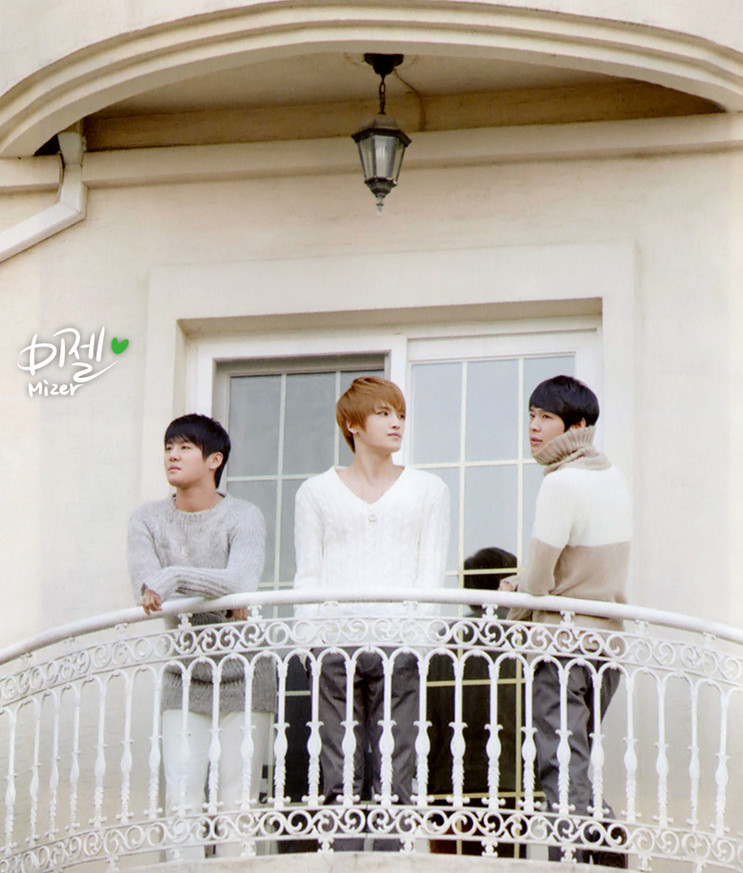 Buy jyj music essay